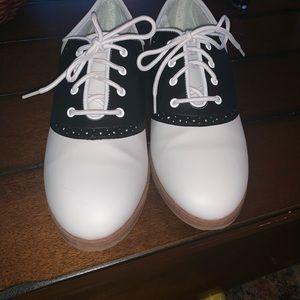 EUC Saddle Shoes 9.5 10 Oxfords